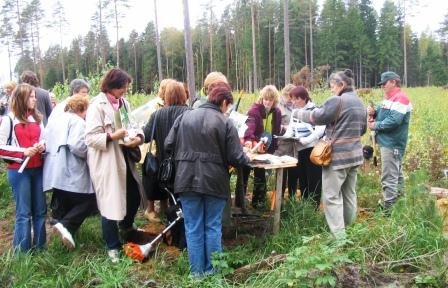 A forest field day for women forest owners in Latvia drew high interest and high ratings from participants.